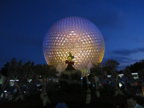 Topiary Mickey and Spaceship Earth