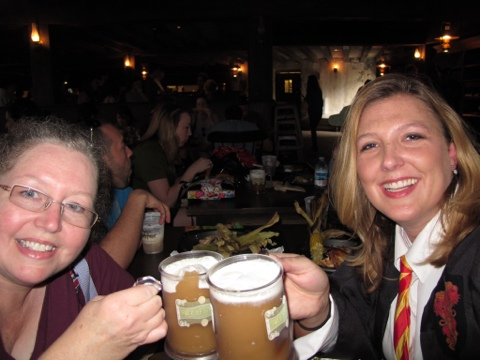 Lunch & frozen butterbeer at the Three Broomsticks